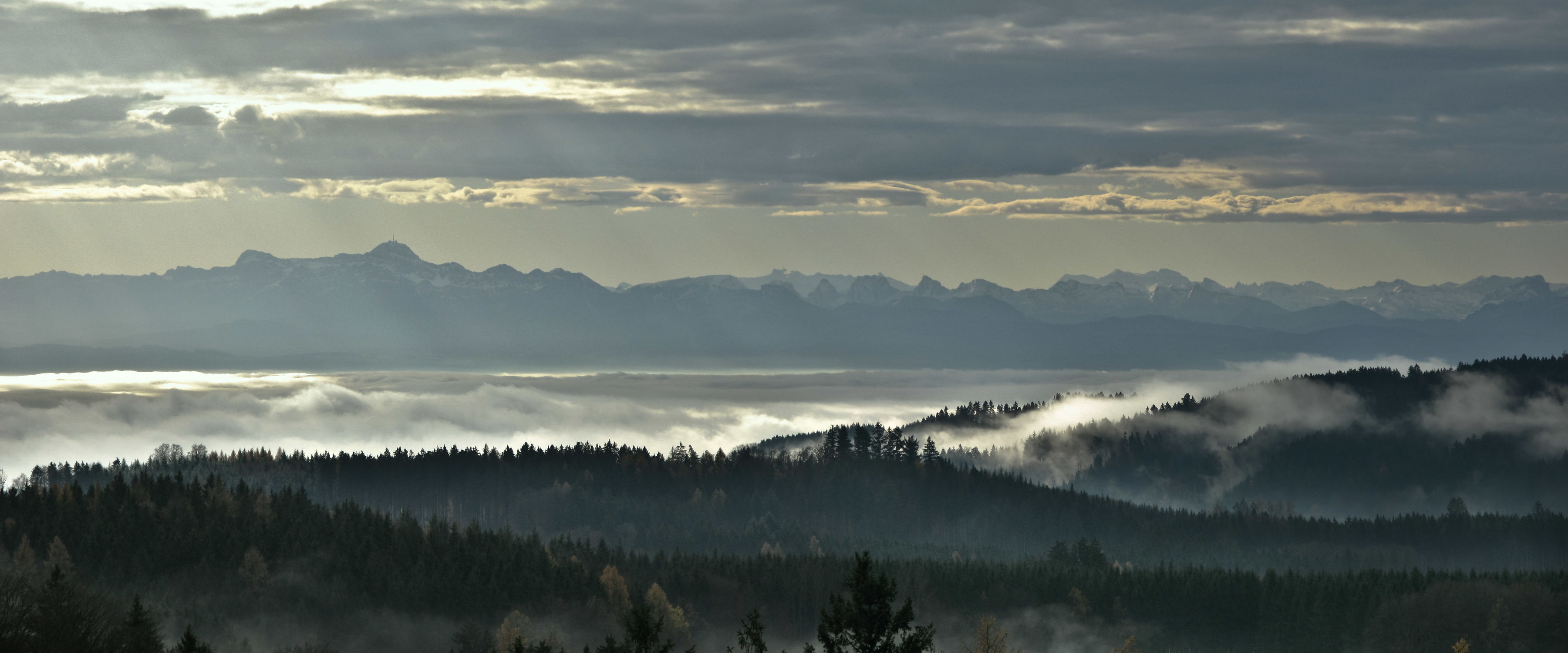 Bild mit Alpen