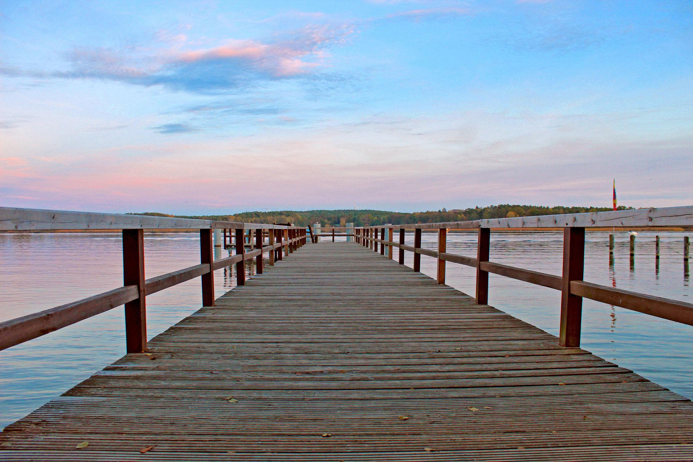 Bild mit Gewässer, Sonnenuntergang, Sonnenaufgang, Meer, Steg, Sunset, Holzsteg, Scharmützelsee