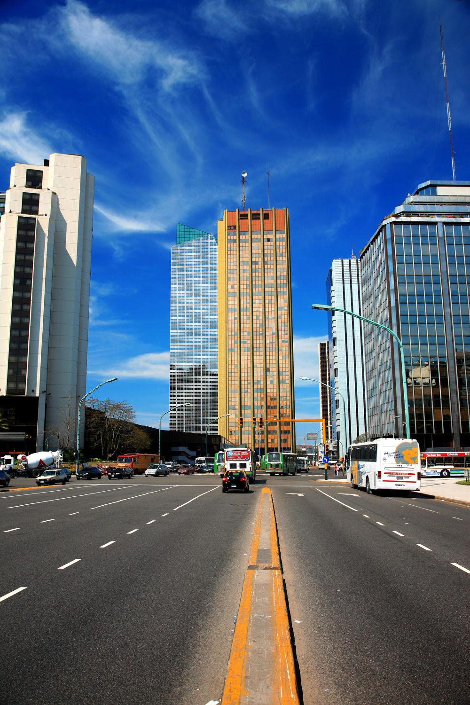 Bild mit Gebäude, Städte, Häuser, Haus, Stadt, Skylines & Hochhäuser, City, Skyline, hochhaus, wolkenkratzer, Hochhäuser, Stadtleben