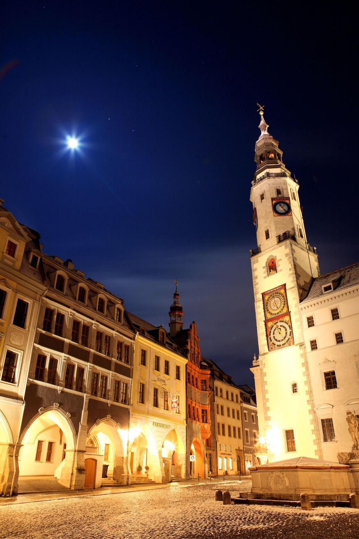 Bild mit Städte, Rathaus, Stadt, Görlitz, City, Platz, Görlitzer Rathaus, rathausplatz, bücherdiebin, die Bücherdiebin, Filmstadt, Filmstadt Görlitz, Görliwood