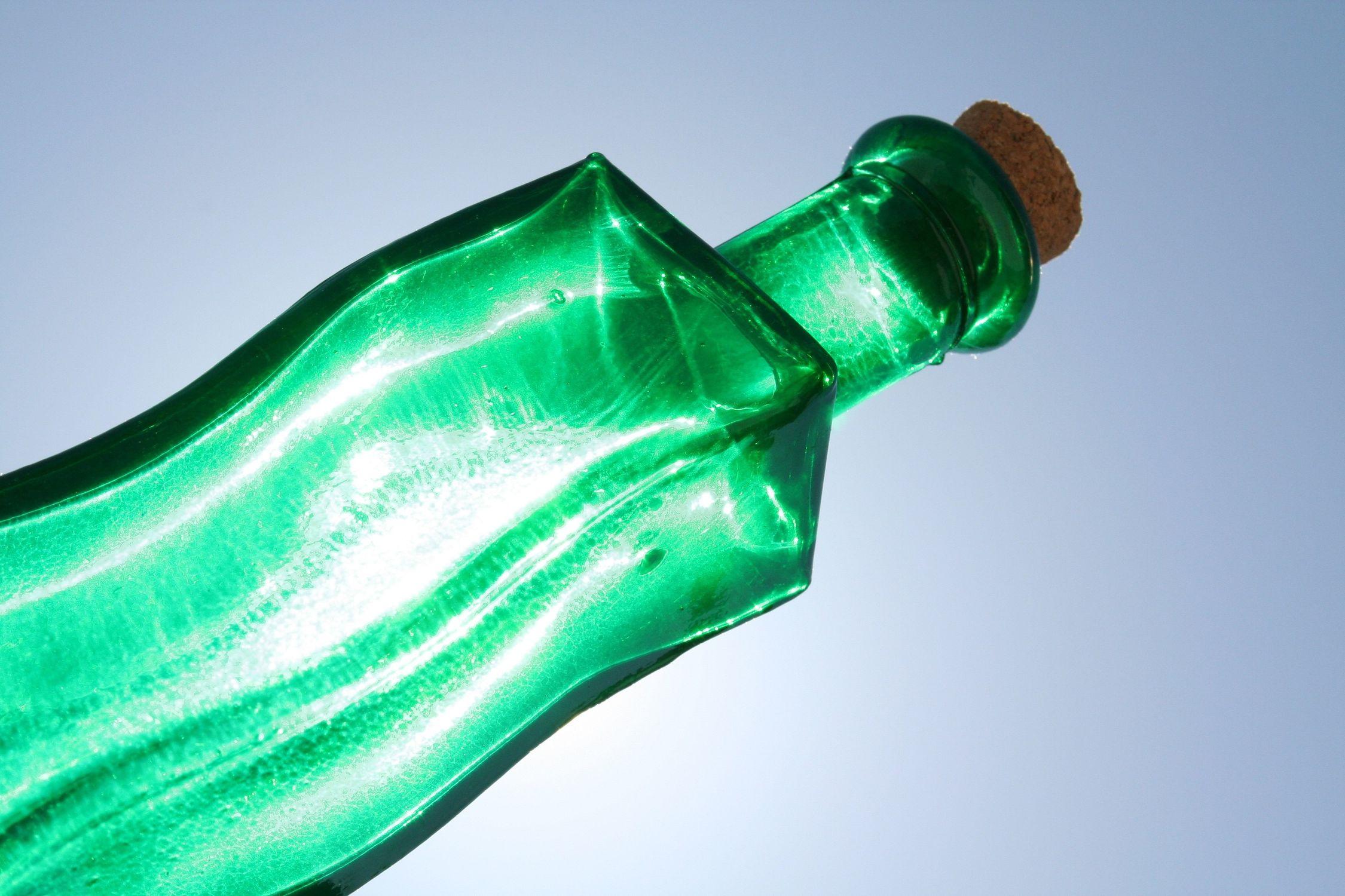 Bild mit Farben, Gegenstände, Natur, Elemente, Wasser, Grün, Lebensmittel, Materialien, Glas, Trinken, Flaschen, Flasche, Bottle