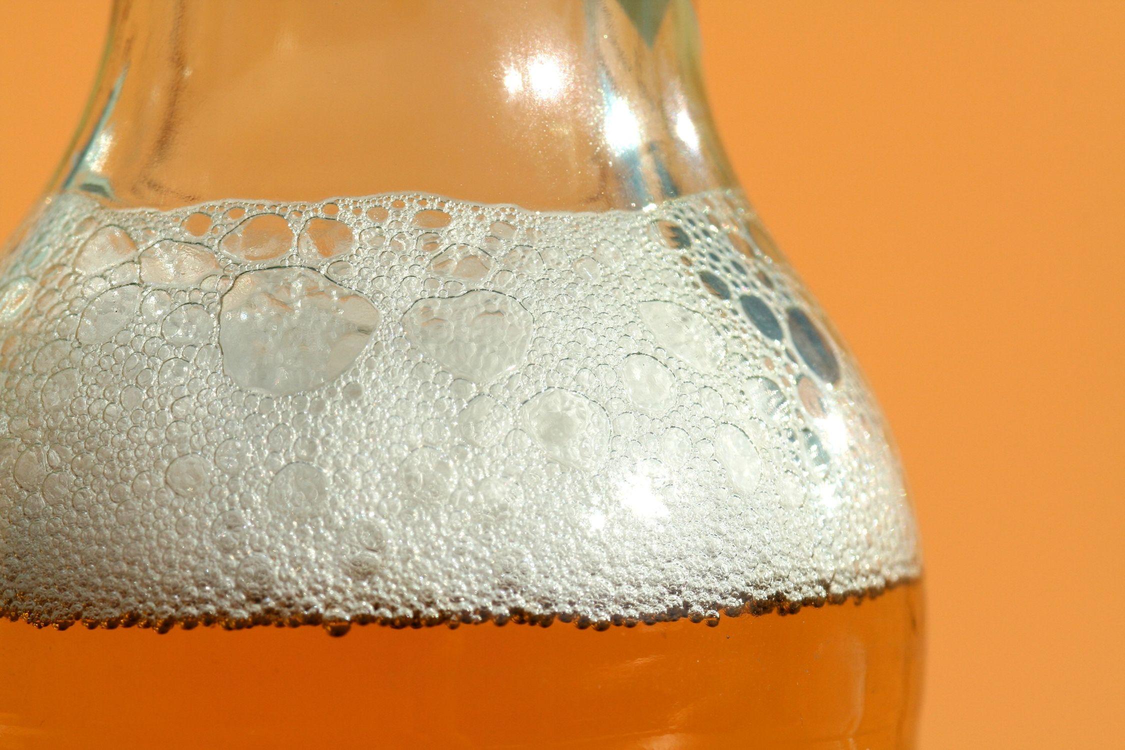 Bild mit Gegenstände, Lebensmittel, Trinken, Getränke, Alkohol, Küchenbild, Bottle, Bier, Küchenbilder, Küche