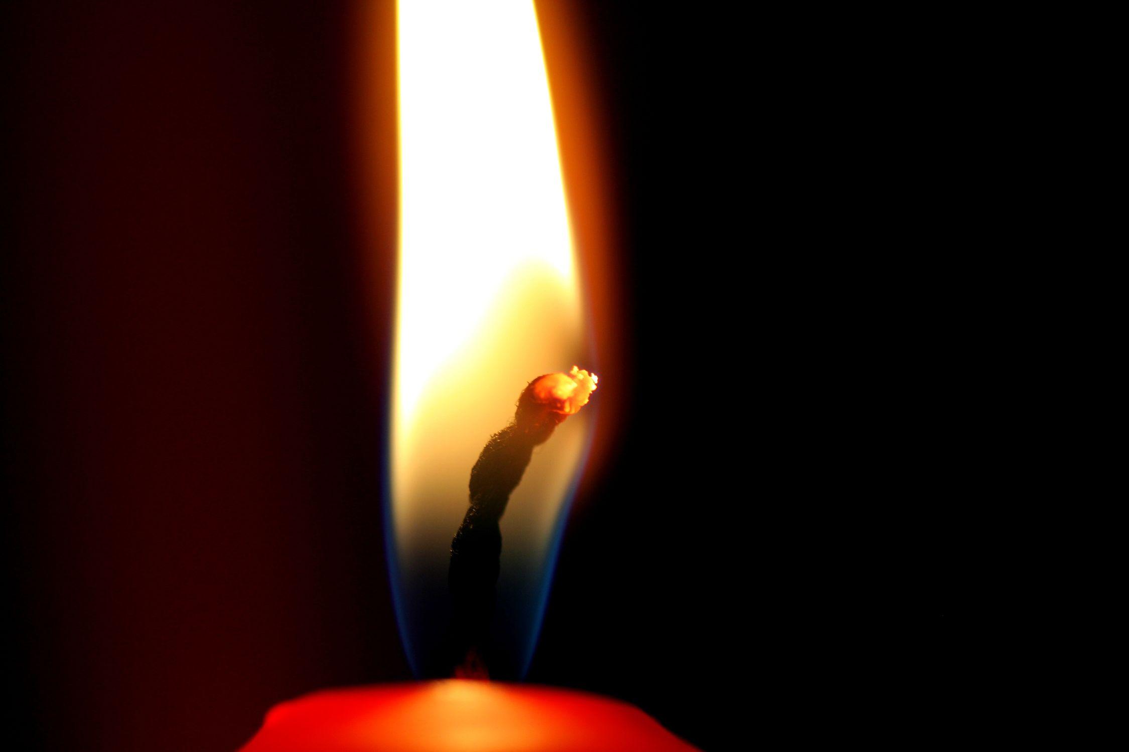 Bild mit Natur, Elemente, Feuer, Flammen, Kerze, Kerzen, Kerzenlicht, romantik, Kerzenschein, Licht Bilder, Meditation, candel, candel light, light, Licht