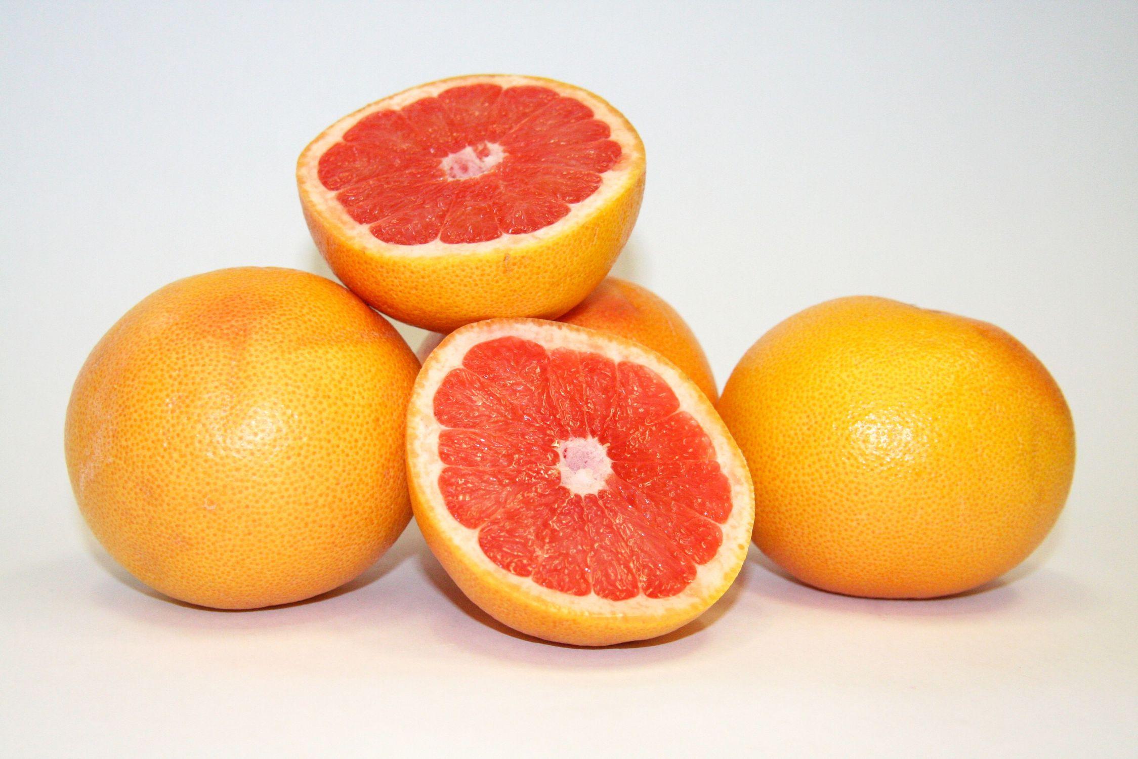 Bild mit Früchte, Lebensmittel, Essen, Zitrusfrüchte, Orangen, Grapefruits, Mandarinen, Frucht, Grapefruit, Blutorange