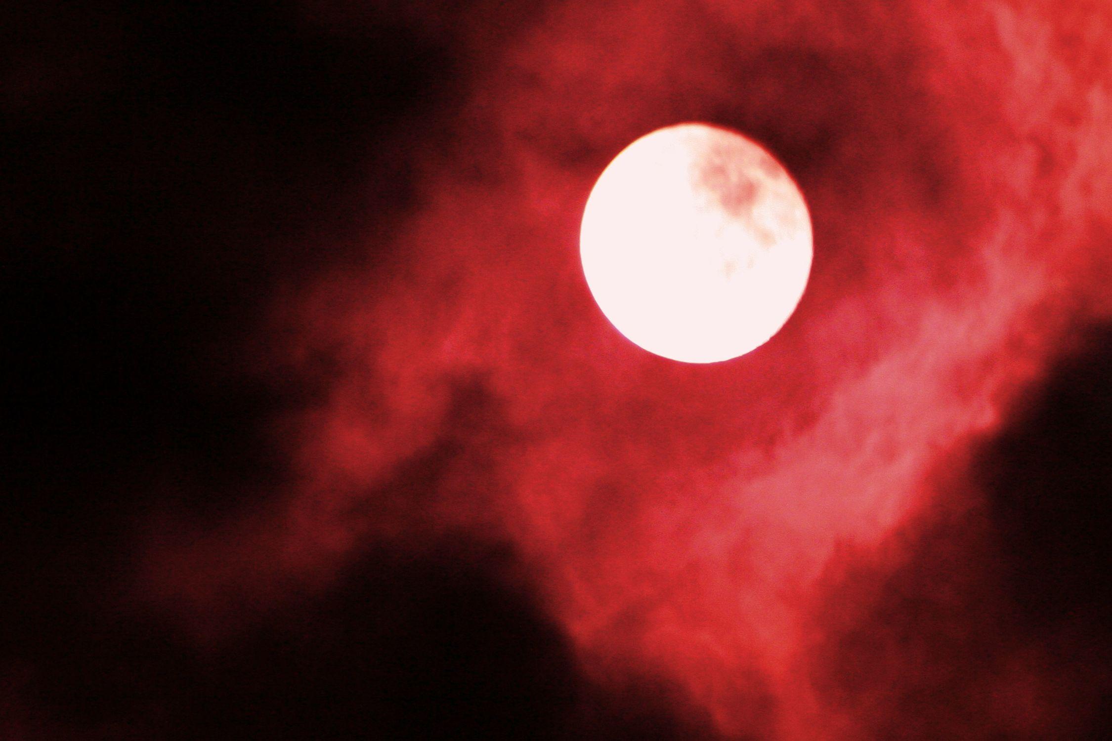 Bild mit Farben, Natur, Himmel, Wolken, Rot, Mond, Kunstfotografie, Fotografie