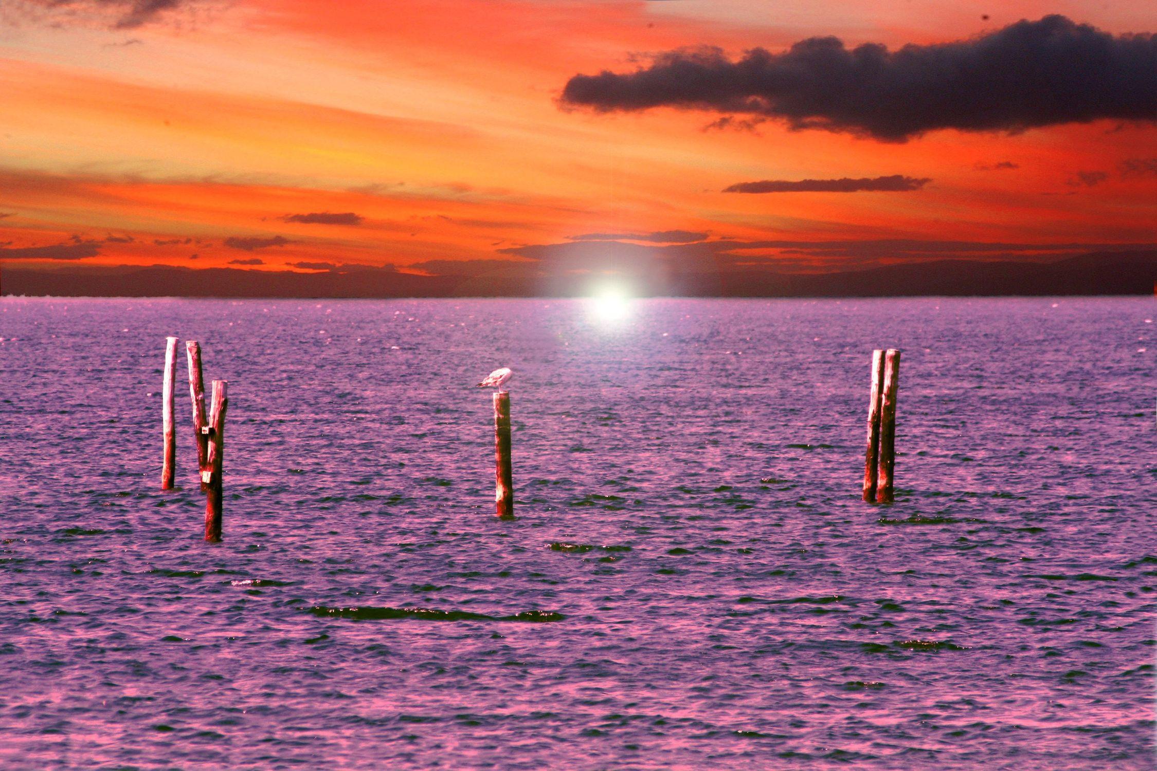 Bild mit Natur, Elemente, Wasser, Landschaften, Himmel, Wolken, Gewässer, Küsten und Ufer, Meere, Horizont, Brandung, Wellen, Sonnenuntergang, Aktivitäten, Urlaub, Sonnenaufgang