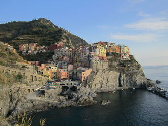 Bild mit Meere, Urlaub, Italien, Meerblick, Mittelmeer, Urlaubsbild, Urlaubsfoto, Steilküste, Riviera, Meerespanorama