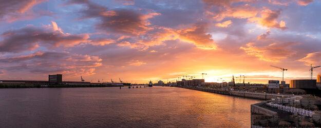 Bild mit Himmel, Städte, Sonnenaufgang, Sonnenaufgang, Abendrot, Häfen, Frachtschiffe, Hafenstadt, Elbe, Hamburg