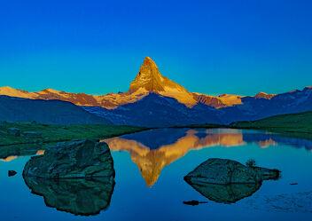Bild mit Sonnenaufgang, Sonne, Landschaft, Matterhorn, Zermatt