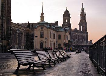 Bild mit Städte, Straßen und Wege, Stadt, Dresden, Altstadt, historische Altstadt, Bank, Bänke, Straße, Brühlsche Terrasse