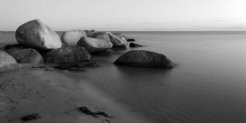 Steine am Meer 2