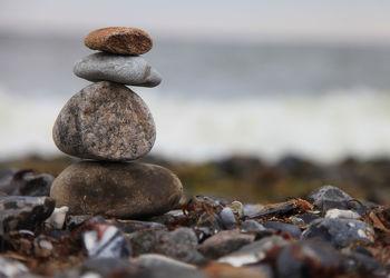 Bild mit Stein, Strand, Meer, Steine, Ostseebilder, steinstapel, Steinstrand, Steinhaufen