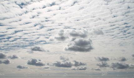 Bild mit Himmel, Wolken, Sommer, Wolkenhimmel, Wolkengebilde, Wolkenblick, Wolke