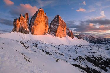 Bild mit Natur, Winter, Schnee, Eis, Felsen, Stein, Sonnenuntergang, Sonnenaufgang, Steine, winterlandschaft, Landschaften & Stimmungen, Kälte, Frost, Gestein