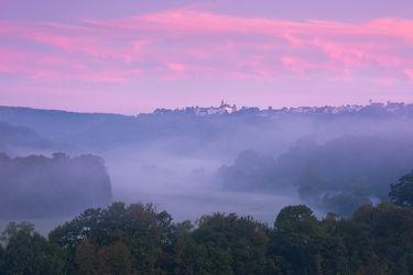 Bild mit Natur,Himmel,Wälder,Rosa,Lila,Sonnenuntergang,Sonnenaufgang,Nebel,Wald,Landschaften & Stimmungen,Nebelwolken
