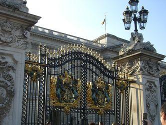 around the Buckingham Palace 1
