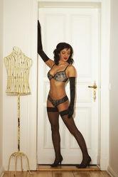 Model in Black Dessous