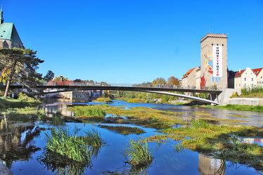Bild mit Städte,Stadt,Stadt Görlitz,Görlitz,Görlitz Blick,Brücke,Altstadtbrücke,Grenzbrücke,Grenzfluß,Neisse