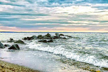 Bild mit Brandung, Wellen, Sonnenuntergang, Meerblick, Ostsee, Lübecker Bucht, Meer, Gischt, Timmendorfer Strand