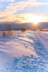 Winterzeit Sonnenaufgang im Wintermärchen