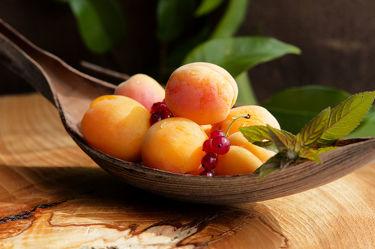Bild mit Früchte,Lebensmittel,Sommer,Frucht,Obst,Aprikose,Aprikosen,Küchenbild,Stillleben,Food,Küchenbilder,KITCHEN,frisch,Küche,Küchen,Kochbild,vegan