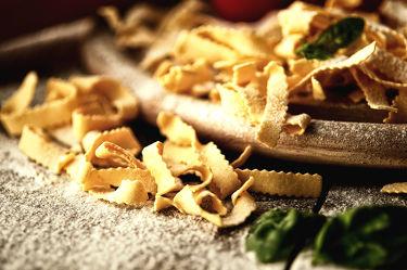 Bild mit Lebensmittel,Nudeln,Küchenbild,Stillleben,Food,Küchenbilder,KITCHEN,Küche,Küchen,Spaghetti,Kochbild,vegan,kochen,Gewürze,Pfeffer