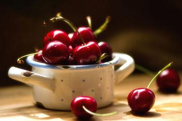 Bild mit Früchte, Lebensmittel, Frucht, Obst, Küchenbild, Kirsche, Stillleben, Food, Küchenbilder, KITCHEN, Küche, Tasse, Kochbild, cherry, Kirschen, vegan