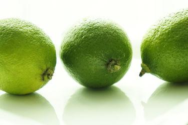 Bild mit Früchte,Lebensmittel,Zitrusfrüchte,Frucht,Limette,Limetten,Obst,Küchenbild,Küchenbilder,Küche