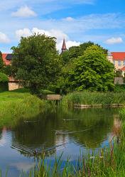 Bild mit Gewässer, Wälder, Architektur, Gebäude, Schlösser, Häuser, Schloss, Wald, Burg, Teich, Norddeutschland, Burgen
