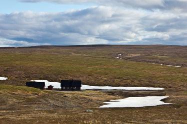Häuser in der Tundra Nordnorwegens