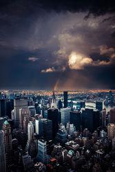 Bild mit Autos, Architektur, Straßen, Panorama, Stadt, clouds, Nature, urban, New York, monochrom, City, Staedte und Architektur, USA, VINTAGE, hochhaus, wolkenkratzer, metropole, Straße, island, Hochhäuser, rainbow, street, Manhattan, Brooklyn Bridge, Yellow cab, taxi, Taxis, New York City, NYC, NYC, Gelbe Taxis, yellow cabs, Manhatten, high tower, big apple, empire state building, one world trade center, skyscraper, skyscraper, birds view, high towers, rain, rainy, storm, thunder
