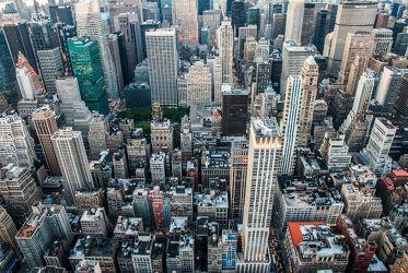 Bild mit Autos, Architektur, Straßen, Stadt, urban, urban, New York, New York, New York, monochrom, City, Staedte und Architektur, USA, hochhaus, wolkenkratzer, metropole, metropole, Straße, america, Hochhäuser, street, Manhattan, Brooklyn Bridge, Yellow cab, Yellow cab, taxi, taxi, Taxis, New York City, NYC, NYC, Gelbe Taxis, yellow cabs, high tower, cabs, empire state building, high towers, bird eye view, buidlings, buildings, cab, roofs