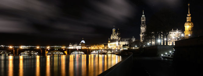 Bild mit Gebäude, Städte, Häuser, Brücken, Stadt, Dresden, Brücke, City, Nacht, Laternen, Skyline, Fluss, Elbe, Barock, Nachtaufnahme