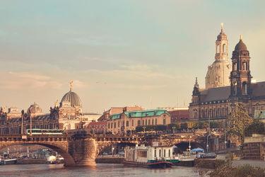 Bild mit Architektur, Gebäude, Städte, Häuser, Brücken, Stadt, Dresden, Brücke, City, Skyline, Fluss, Elbe, Barock, Augustusbrücke