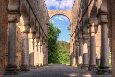 Bild mit Gebäude, Klöster, Stadt, Kirche, landscape, ruine, klosterruine, viadukt, harry potter, ruinen