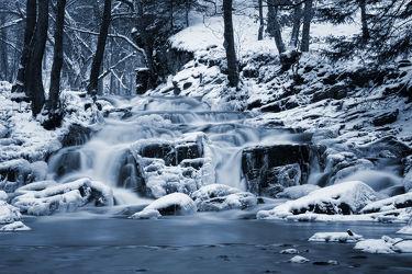 Bild mit Winter, Schnee, Wälder, Flüsse, Wasserfälle, Wald, Wasserfall, Harz, Winterzeit, Frost, Fluss