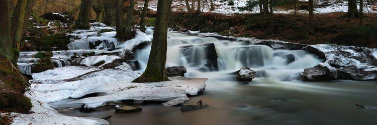 Bild mit Natur, Wasser, Gewässer, Flüsse, Stein, Wasserfälle, Wald, Steine, Wasserfall, Harz, Fluss, Gestein, gefroren