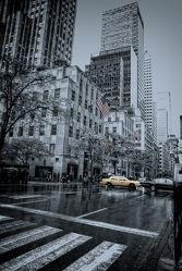 Bild mit Autos, Architektur, Straßen, Stadt, New York, Staedte und Architektur, USA, hochhaus, wolkenkratzer, metropole, Straße, Hochhäuser, Manhattan, Brooklyn Bridge, Yellow cab, taxi, Taxis, New York City, NYC, Gelbe Taxis, yellow cabs, Times Square, 5st Ave