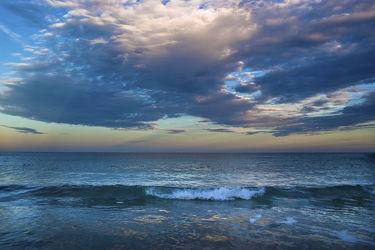 Bild mit Natur, Wasser, Wolken, Gewässer, Meere, Strände, Sonnenuntergang, Urlaub, Sonnenaufgang, Schiffe, Strand, Meerblick, Ostsee, Mittelmeer, Reisen, Strand & Meer, Abend am Meer, Reise, Wolke, Argentinien