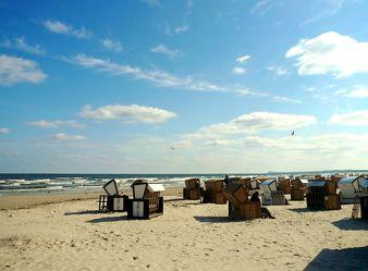 Bild mit Wellen, Sand, Möwen, Strand, Strandkörbe, Ostsee, Meer, Usedom, Usedom