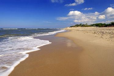 Bild mit Gelb, Himmel, Wolken, Weiß, Strände, Wellen, Sand, Urlaub, Blau, Sonne, Strand, Strand / Meer, Erholung, Sonnenstrahlen, Wärme, Ausspannen, Relaxen, Traumstrand, Sanft