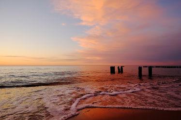 Bild mit Himmel, Wellen, Sonnenuntergang, Strand, Sandstrand, Meerblick, Meer, See, Am Meer, farbig
