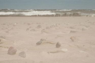 Bild mit Himmel,Sand,Sand,Strand,Meer,Steine,Küste,Extras,nahaufnahme,Wind,sturm,Sandsturm,Naturschauspiel,Naturkatastrophen,Real,Wirklich