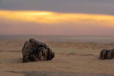 Bild mit Himmel,Wolken,Sand,Sand,Sonne,Strand,Meer,Steine,Küste,Wind,sturm,Sandsturm,Naturschauspiel,Naturkatastrophen