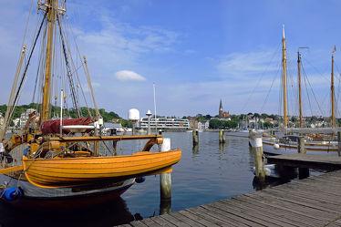Bild mit Urlaub, Häfen, Häfen, Ostsee, boot, Boote, Steg, Flensburg, Bootshafen