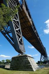 Bild mit Architektur, Schiffe, Brücken, Ostsee, Schiff, Brücke, Schifffahrt, Europa, Säulen