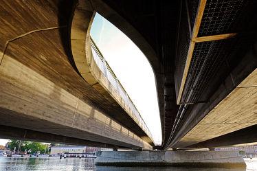 Bild mit Gewässer,Architektur,Eisen,Brücken,Stadt,Brücke,Stahl,Beton,Bauart