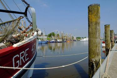 Bild mit Häfen, Häfen, Boote, Ostfriesland, Fischkutter, Krummhörn, Fanggeschirr, Greetsiel