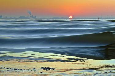 Bild mit Wellen, Sonne, Langzeitbelichtung, Abendsonne, Dollart, Ems, Wogen, Holland