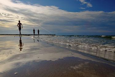 Bild mit Himmel, Sonnenuntergang, Strand, Meerblick, Ostsee, Meer, Abend, Polen, Läufer, Geher, Sportler